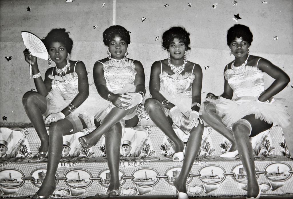 Jean-Depara,-Dancers-and-General-de-Gaulle,-1963